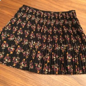 Madewell pleated floral skirt size 2